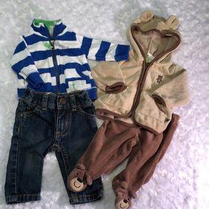 Bundle size NEWBORN BOY outfits - Carters
